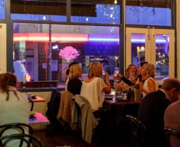 Girls having dinner at Samson's Paddock